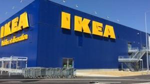 Ikea, tre plafoniere ritirate da mercato: pericolo caduta