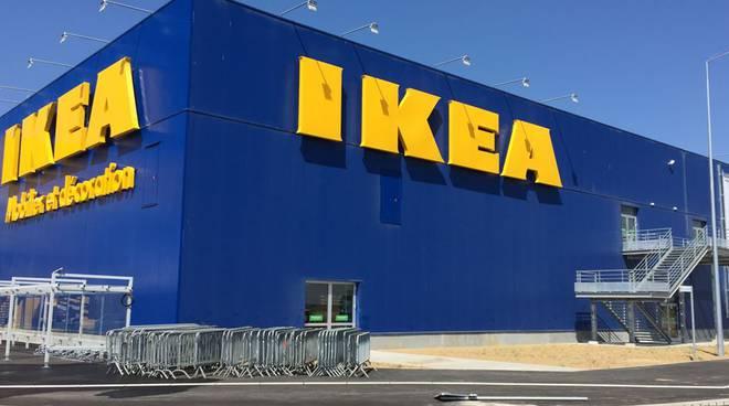 Plafoniere Ikea A Soffitto : Ikea tre plafoniere ritirate da mercato: pericolo caduta