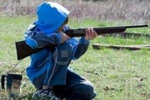 Iowa, proposta di legge shock: sì alle armi ai bambini