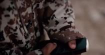 VIDEO YOUTUBE Isis, bimbo boia fa esplodere prigionieri