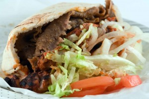 Verona, Tosi mette lo stop a nuovi kebab in centro
