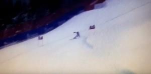YOUTUBE Lindsey Vonn cade durante SuperG, soccorsi in pista