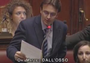 """YOUTUBE Maurizio Gasparri, il """"vaffa"""" di Dall'Osso (M5s)"""