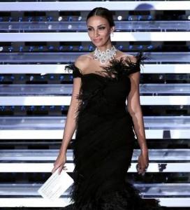 Guarda la versione ingrandita di Festival di Sanremo, Madalina Ghenea contro il pubblico (foto Ansa)