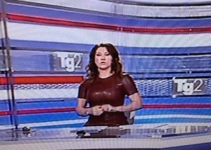 Manuela Moreno, il look fetish in diretta al Tg2