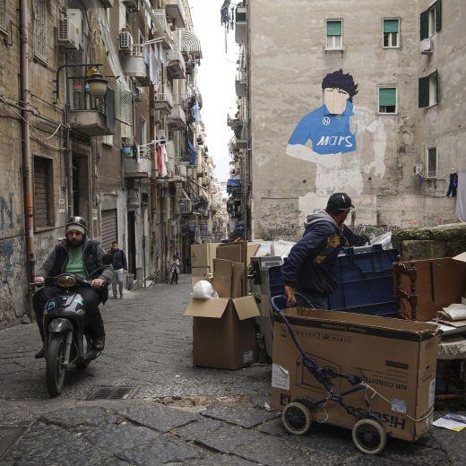Diego Armando Maradona, murales restaurato a Napoli FOTO6