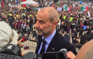 Unioni civili, M5S: per odio a Pd..e per gioia di Gandolfini