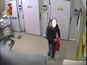 Pavia, furti cibo ospedale: coop licenzia dipendente onesto