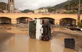 """Così il sindaco di Monterosso dopo l'alluvione <br /> """"Inventiamo i danni, tanto chi se ne accorge"""""""