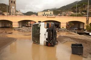 """Monterosso, post alluvione al Comune: """"Inventiamo i danni"""""""
