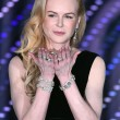Nicole Kidman, anni 48: contrasto fra mani e volto perfetto4