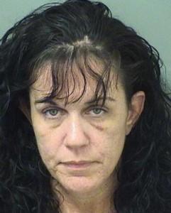 Nonna ubriaca fa sesso davanti a nipote di 2 anni. Arrestata