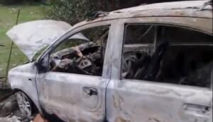 Sassari, Panda causa incidenti e scappa. Trovata bruciata