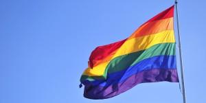 """Prete su Fb """"gay sono malati"""". Vescovo Ragusa si scusa"""
