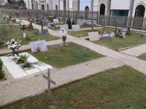 Bolzano, 3 becchini denunciati per vilipendio di cadavere