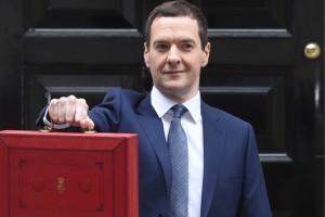 Taglio pensioni, tasse successione più alte: la cura inglese