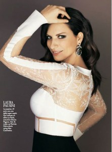 """Laura Pausini, risposta epica a fan allupato: """"Attaccati!"""""""