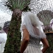 Gira il mondo come in Mangia Prega Ama...vestita da sposa05