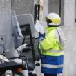 Genova, tenta di stuprare postina: lei regisce e lui scappa