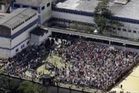 Colombia carcere, 100 corpi smembrati in fogne. E visitatori
