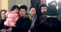 Primarie Pd e voti cinesi  Salvini li becca in fila a Milano
