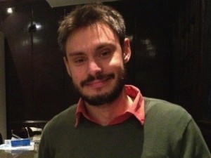 """Guarda la versione ingrandita di Giulio Regeni """"ucciso da professionisti della tortura"""""""