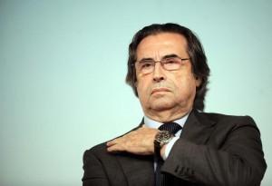 Guarda la versione ingrandita di Riccardo Muti operato per frattura anca: caduto in casa