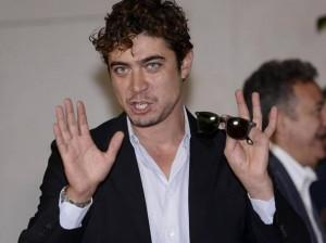 Riccardo Scamarcio, solo stress. Giallo sulle dimissioni