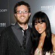 Duncan Jones con la moglie