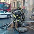 YOUTUBE Roma corso Vittorio: fumo da tombino, tilt in centro3