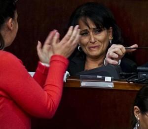 Quarto, Rosa Capuozzo vuole restare sindaco con la destra