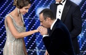 """Sanremo e unioni civili. Elton John: """"Felice d'essere padre"""""""