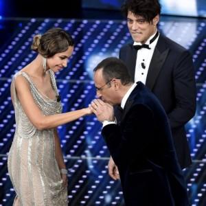 """Guarda la versione ingrandita di Sanremo e unioni civili. Elton John: """"Felice d'essere padre"""""""