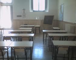 Salerno, accoltella compagno durante una lite a scuola