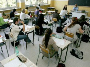 Genova, in terza media a scuola ubriache: prof chiamano 118