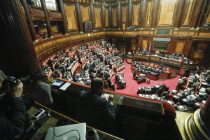 Guarda la versione ingrandita di Un momento nell'aula del Senato durante l'esame dei disegni di legge in materia di unioni civili. Roma 10 Febbraio 2016. ANSA/GIUSEPPE LAMI
