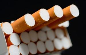 Sigarette a 10 euro, idea francese per far smettere di fumare