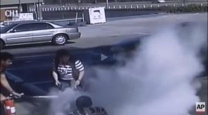 YOUTUBE Sigaretta elettronica esplode in tasca, va a fuoco