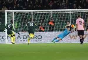 Guarda la versione ingrandita di Palermo - Milan, il gol di Niang nella foto LaPresse