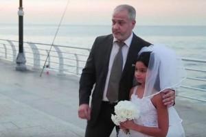 Guarda la versione ingrandita di Video sposa bambina fa giro del web. Polemiche ma...