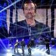 """Sanremo, Lucio Dalla """"canta"""" con gli Stadio8"""