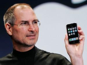 Steve Jobs è morto da 5 anni ma pagò le multe due volte e...