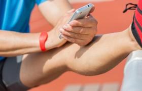Salute, check up si fa con una goccia di sudore<br /> Basta un braccialetto e il referto arriva via app
