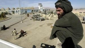 Afghanistan, corso kamikaze, cintura esplode: talebani morti