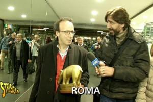 Striscia la Notizia, tapiro d'oro a Roberto Benigni per...