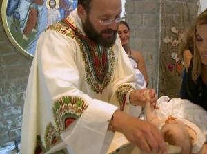 Federico Tartaglia, parroco che battezza figli coppie gay