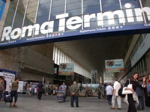Roma, si fingevano poliziotti e derubavano turisti a Termini