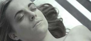 YOUTUBE Il corpo di Anna Fritz: trailer film su necrofilia