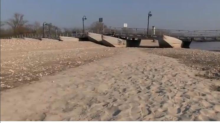 Youtube fiumi di sabbia per siccit video foto po e for Sabbia di fiume