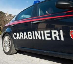 Venezia, mette la retro per sbaglio e investe un carabiniere